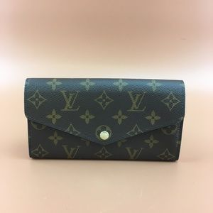 Preowned LV Neo Monogram Sarah Long Wallet